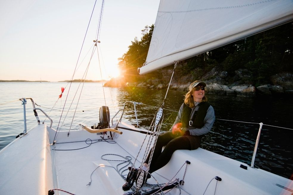 Best Small Boats and Sailboat for Beginners